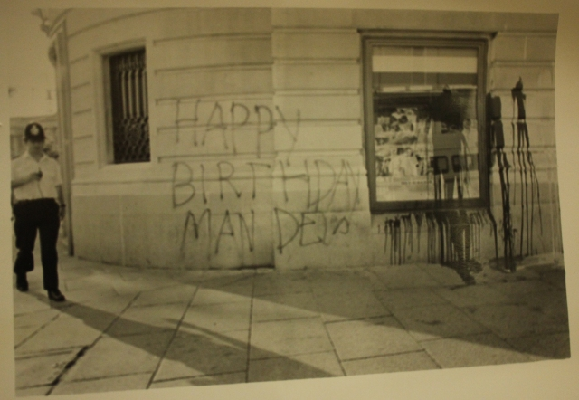 Birthday greetings painted on South Africa House, 18 July 1989 (Source: City Group)