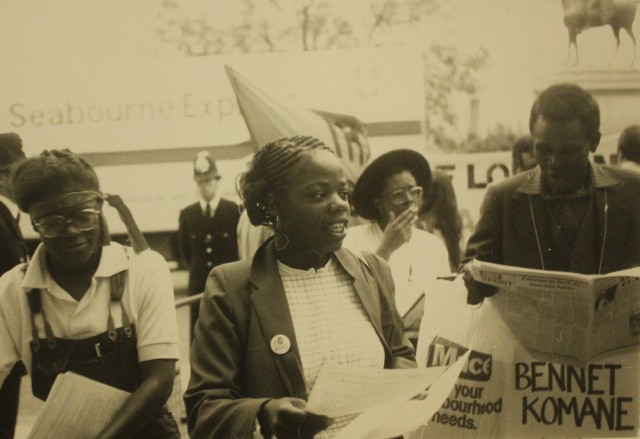 Picketing for Mandela (Source: City Group)